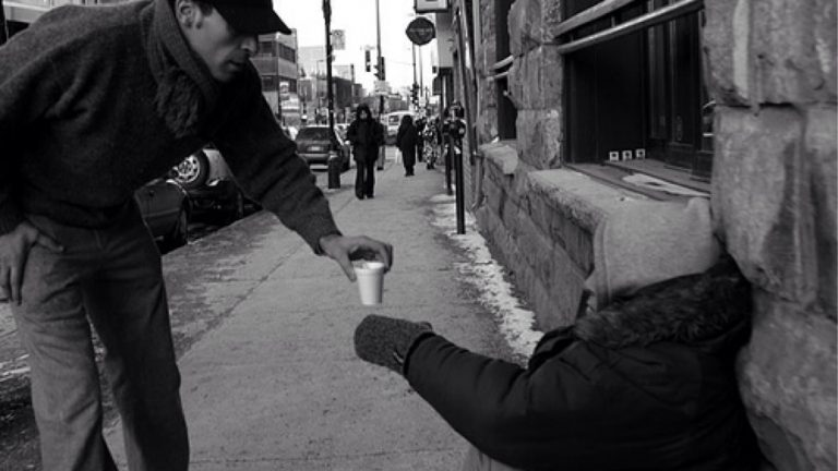 How to Become a More Generous Person in the New Year